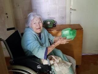 Vienas tūkstantis karšto maisto porcijų ir trys šimtai maisto krepšelių pagyvenusiems ir neįgaliems klaipėdiečiams karantino laikotarpiu