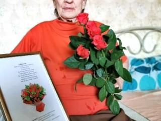 Socialinės Paramos Centras pasveikino p. Ziną Simutienę 80 metų jubiliejaus proga